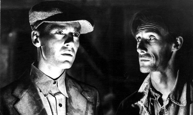 the relationship between jim casy and tom joad in the novel the grapes of wraith Having been released early from prison on parole for good behavior, tom joad meets up with jim casy, a lapsed preacher when they get to the deserted and destroyed joad family farm, they discover that the bank has foreclosed on it.